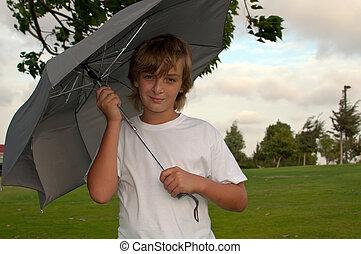 chłopiec, parasol