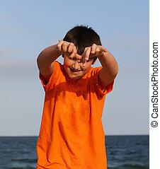 chłopiec, piasek, sea., interpretacja