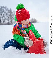 chłopiec, plaing, w, przedimek określony przed rzeczownikami, śnieg