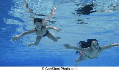chłopiec, powolny, kałuża, nurkować, ruch, dziewczyna, pływacki