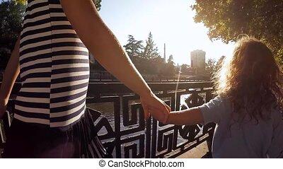 chłopiec, powolny, motion., dzierżawa, dziewczyna, hands.