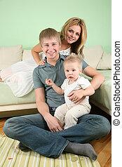 chłopiec, rodzina, sofa