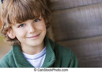 chłopiec, uśmiechanie się, młody, szczęśliwy