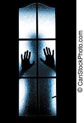 chłopiec, wylękniony, drzwi, za, szkło