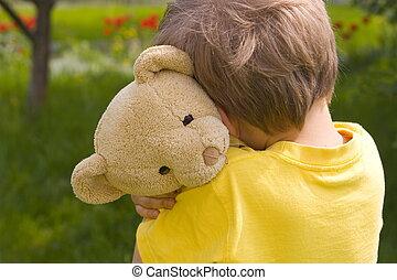 chłopiec, z, niedźwiedź