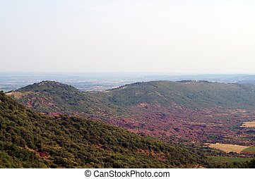 chaîne de montagnes, terre rouge