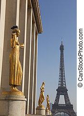 Chaillot palace and Eiffel tower, Paris, Ile-de-france, France