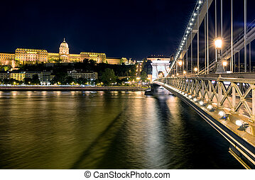 Chain brdige and Buda castle at night in Budapest