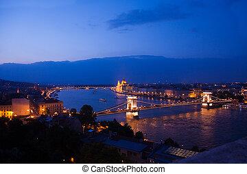 Chain bridge panorama view at night in Budapest