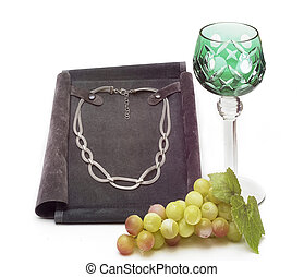 Chain glass and grapes