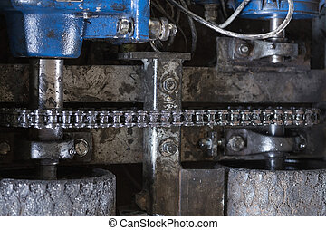 chain with electric motor and roller