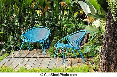 chaise bleue, jardin