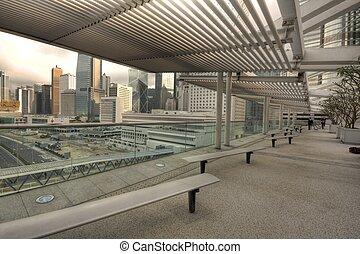 chaise, dans, a, parc, dans, a, bâtiment moderne, dans, ville
