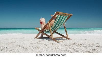 chaise, femme, pont, boire, plage, cocktail