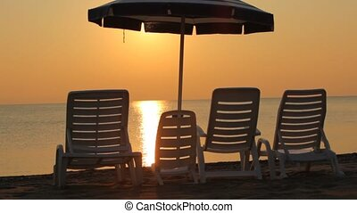 chaise-longues, assied, plage, came, famille