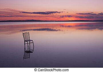 chaise, sur, a, lac, à, coucher soleil