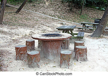 chaises, barbecue, tables