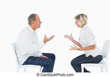 chaises, discuter, couple, plus vieux, séance