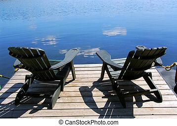 chaises, dock