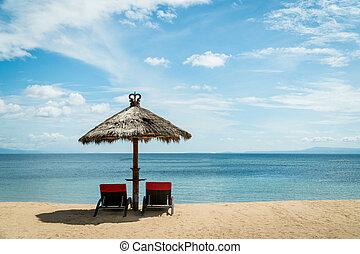 chaises, osier, unbrella, deux, coast., sous, plage, rouges
