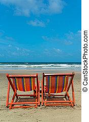chaises, plage, deux