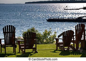 chaises, revêtement, pelouse, petite maison, lac