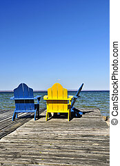 chaises, sur, bois, dock, à, lac
