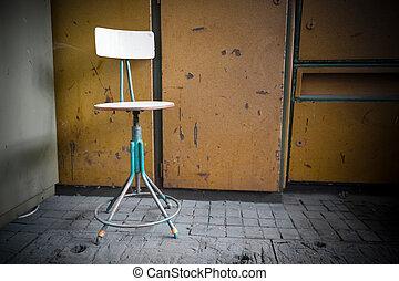 chaises, vieux, abandonnés, fer, usine