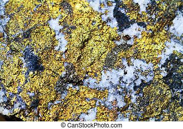 chalcopyrite metal mineral texture
