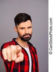challenge., macchina fotografica, barbuto, severo, indicare uomo