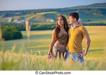 champ, couple, blé, jeune
