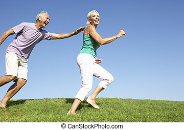 champ, courant, couple, personne agee, bien