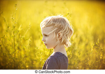 champ, girl, fleurs, jaune, portrait