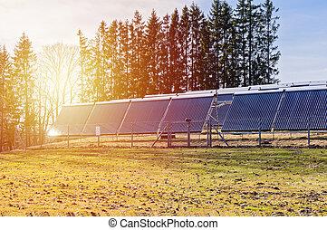 champ, rayons, coucher soleil, panneaux solaires