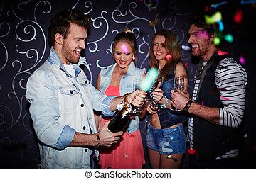 champagne, apertura