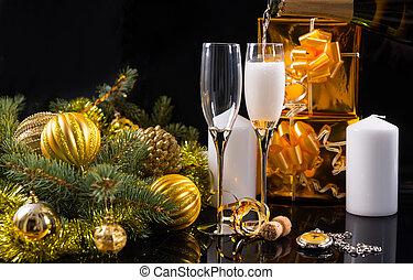 champagne bril, met, kaarsjes, en, de giften van kerstmis