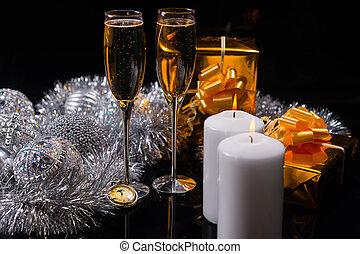 champagne, met, kaarsjes, kadootjes, en, decoraties