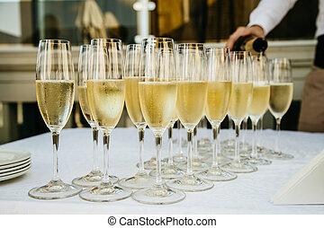 champagner, Brille