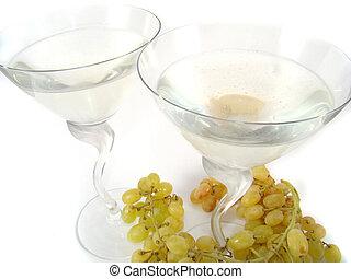Champaigne and grapes