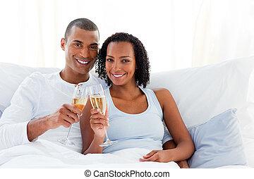 champanhe, brindar, par, romanticos