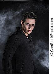 chandail, vampire, jeune, noir, portrait, homme