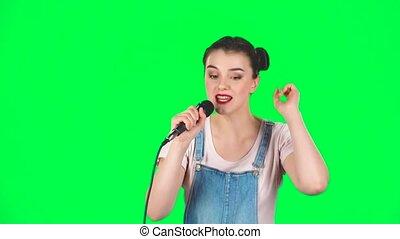 chante, girl, mouvements, mouvement, musique, lent, microphone, mignon, battement