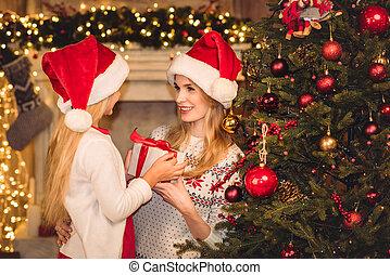 chapeaux, heureux, fille, santa, mère