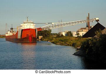 charbon, bateau, déchargement