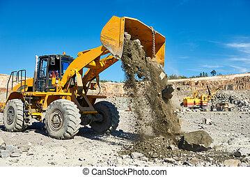chargeur roue, excavateur, à, granit, ou, fer, minerai,...