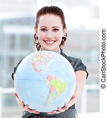 charismatic, executiva, segurando, um, globo terrestre