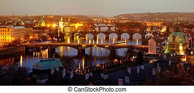 charles most, w, przedimek określony przed rzeczownikami, praga