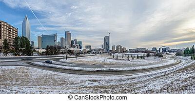 charlotte, carolina norte, skyline, em, inverno