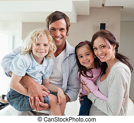 charmant, insieme, famiglia posa