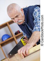 charpentier, mûrir, scier